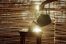 Kessel mit heissem Tee
