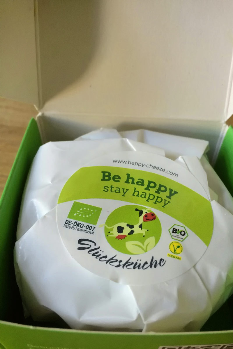 Happy Cheeze Macadamia in der Verpackung