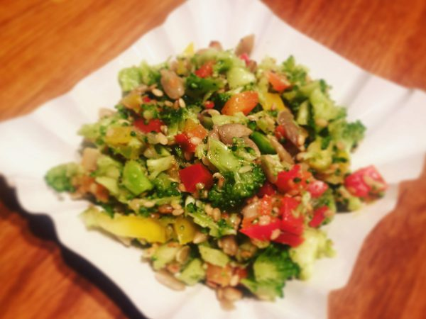 Brokkoli Paprika Salat Rezept