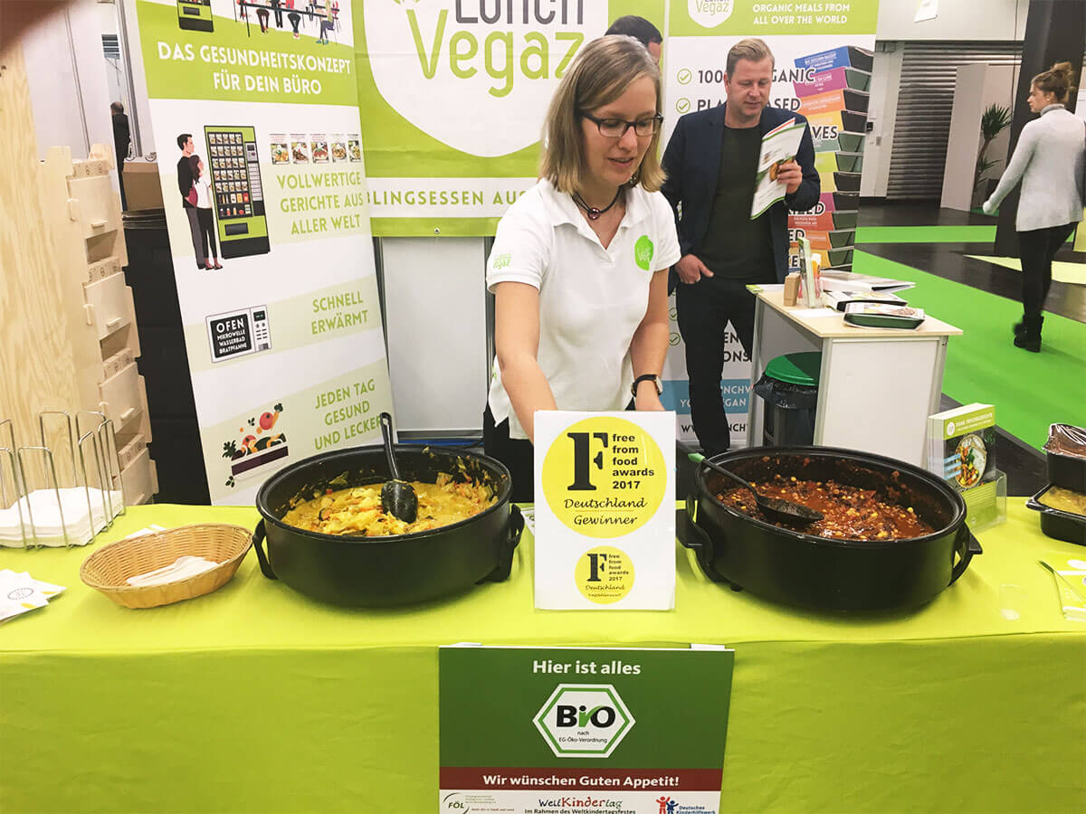 Lunch Vegaz Messestand Veganfach Köln
