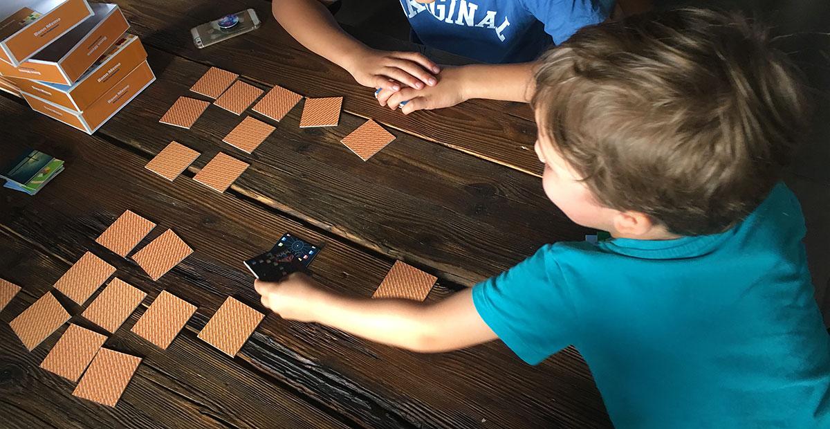 Kinder spielen das Bonn Memo