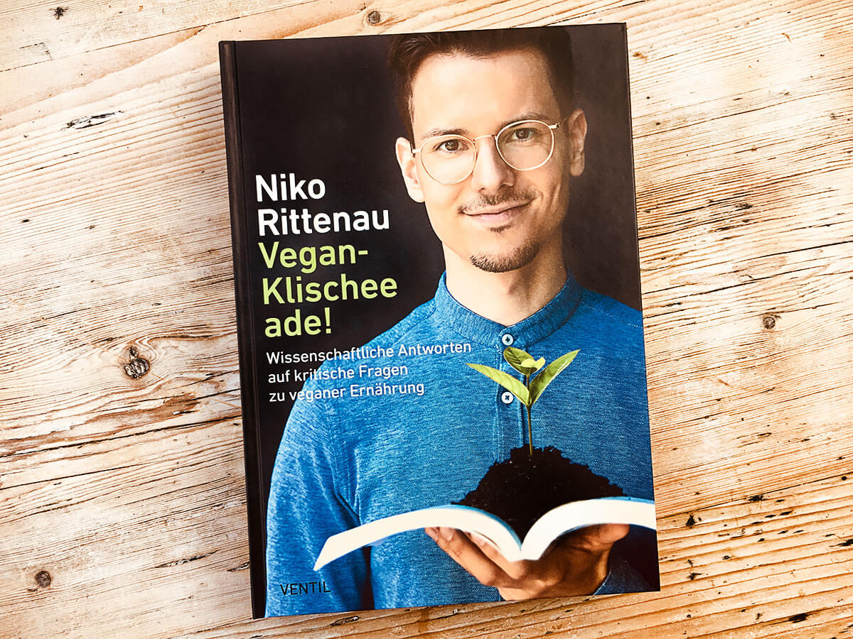 vegan klischee ade das neue buch von niko rittenau. Black Bedroom Furniture Sets. Home Design Ideas